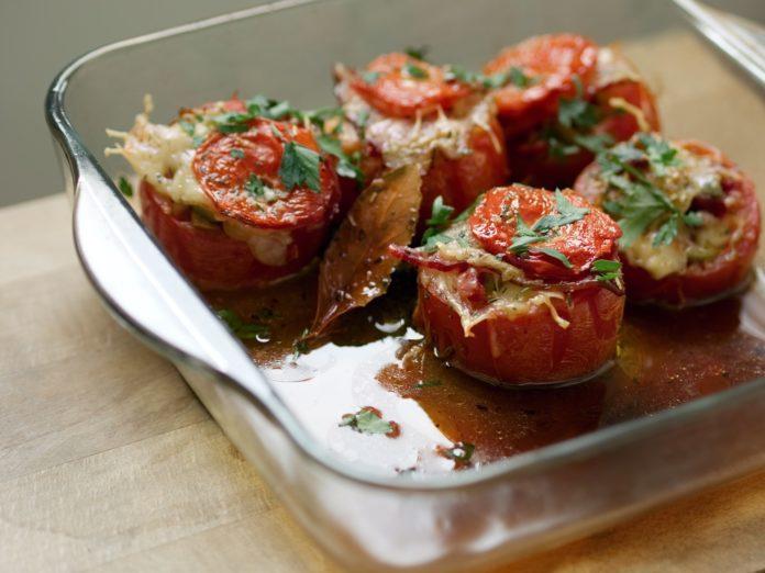 Pomodorini ripieni ai frutti di mare