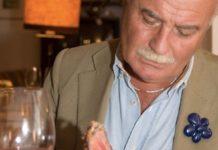 Gianni Mercatali alle prese con una bistecca di Dario Cecchini