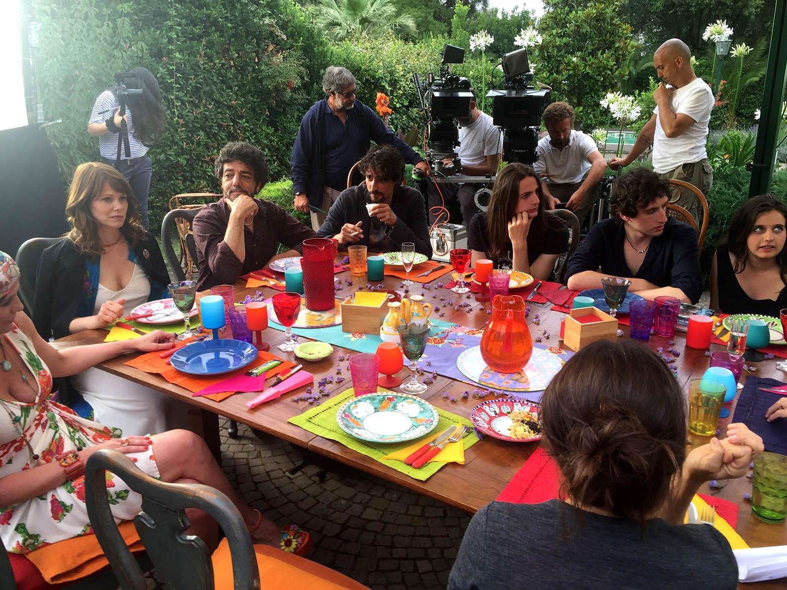 Simona Izzo e le sue tavole: anche la pausa pranzo è una festa